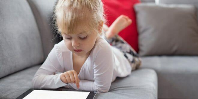 ادمان العاب الموبايل والاجهزه الالكترونية وخطرها على الاطفال